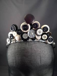 button tiara