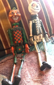 Dolls made with clothespins and popsicle sticks